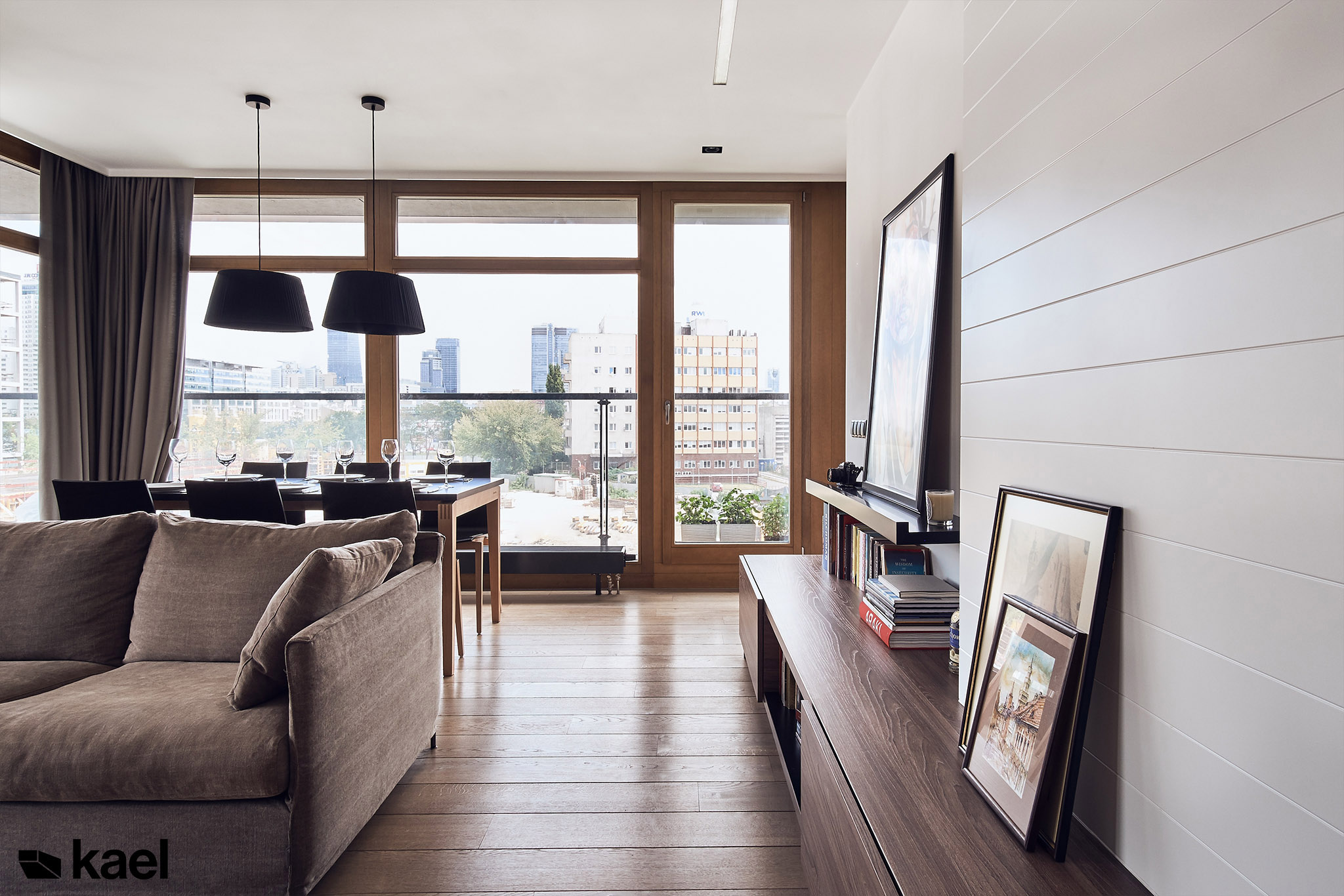 Salon w mieszkaniu na osiedlu 19 dzielnica