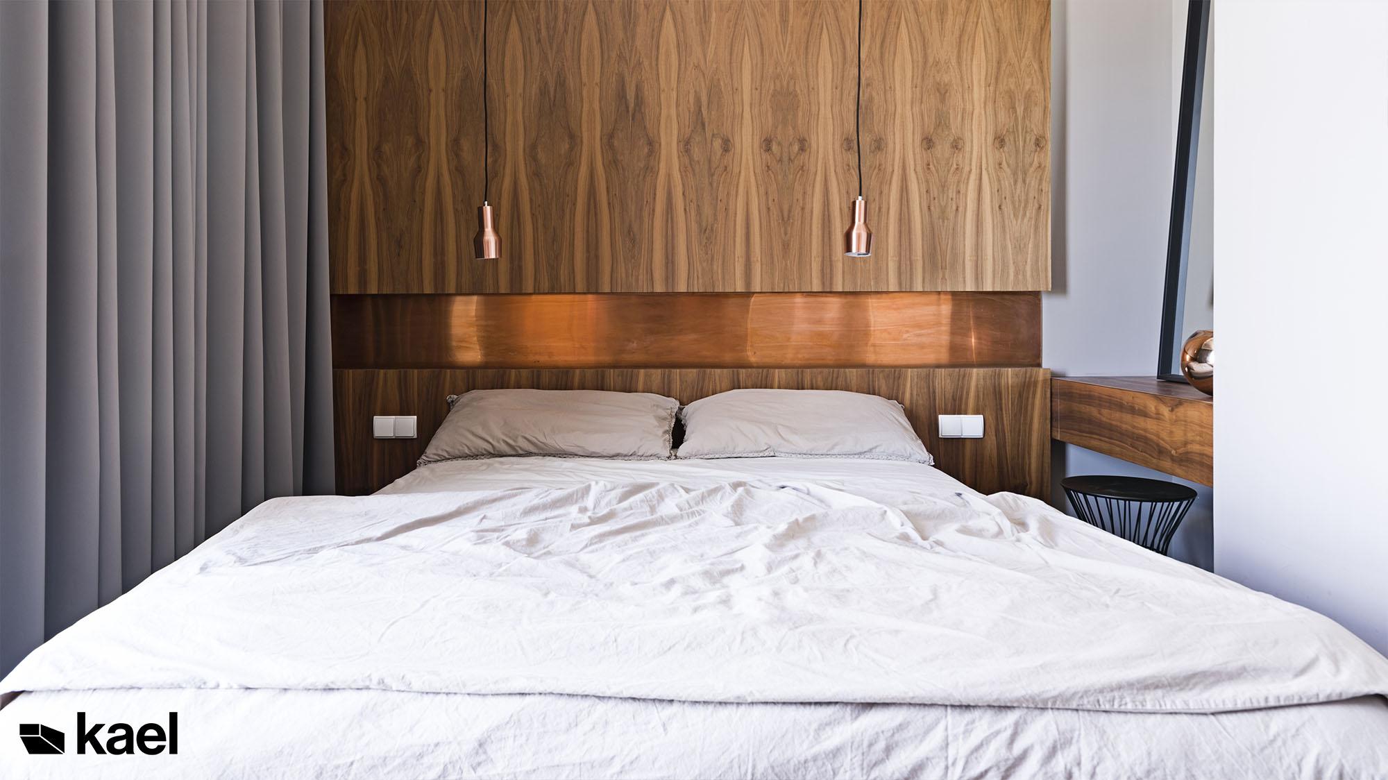 Sypialnia z miedzią i fornirem