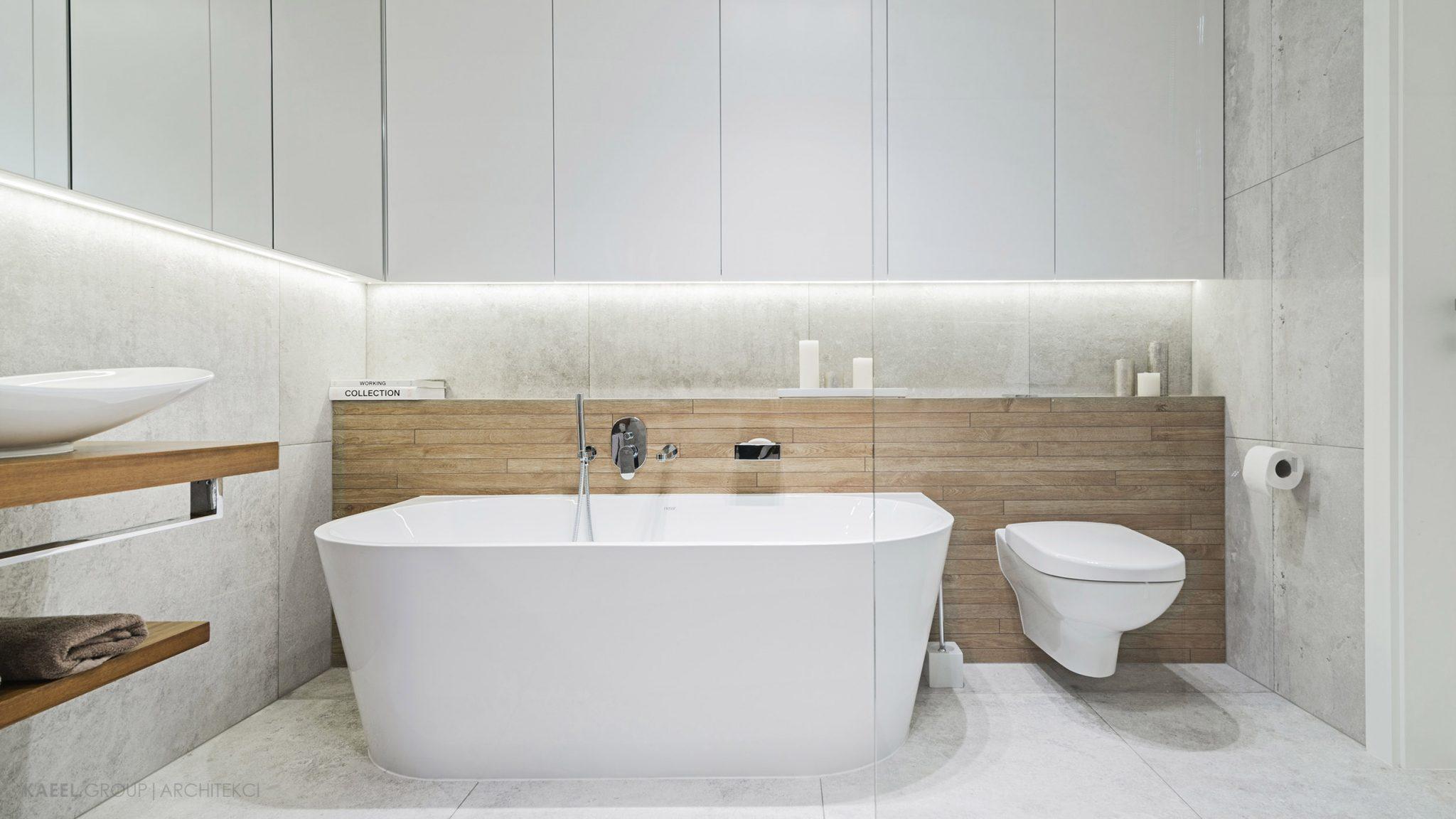 Łazienka z płytkami drewnianymi