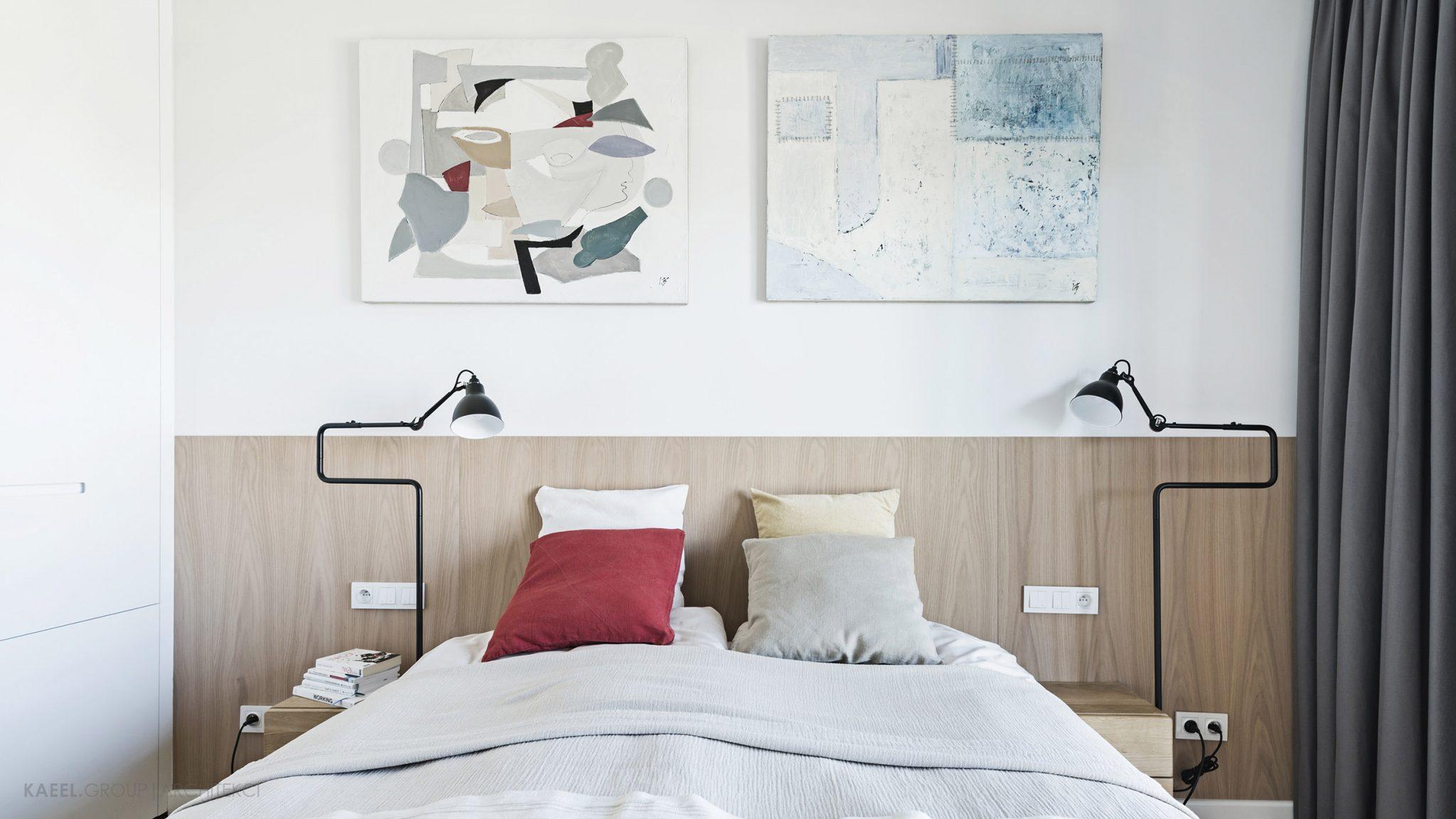 Drewniana okładzina w sypialni