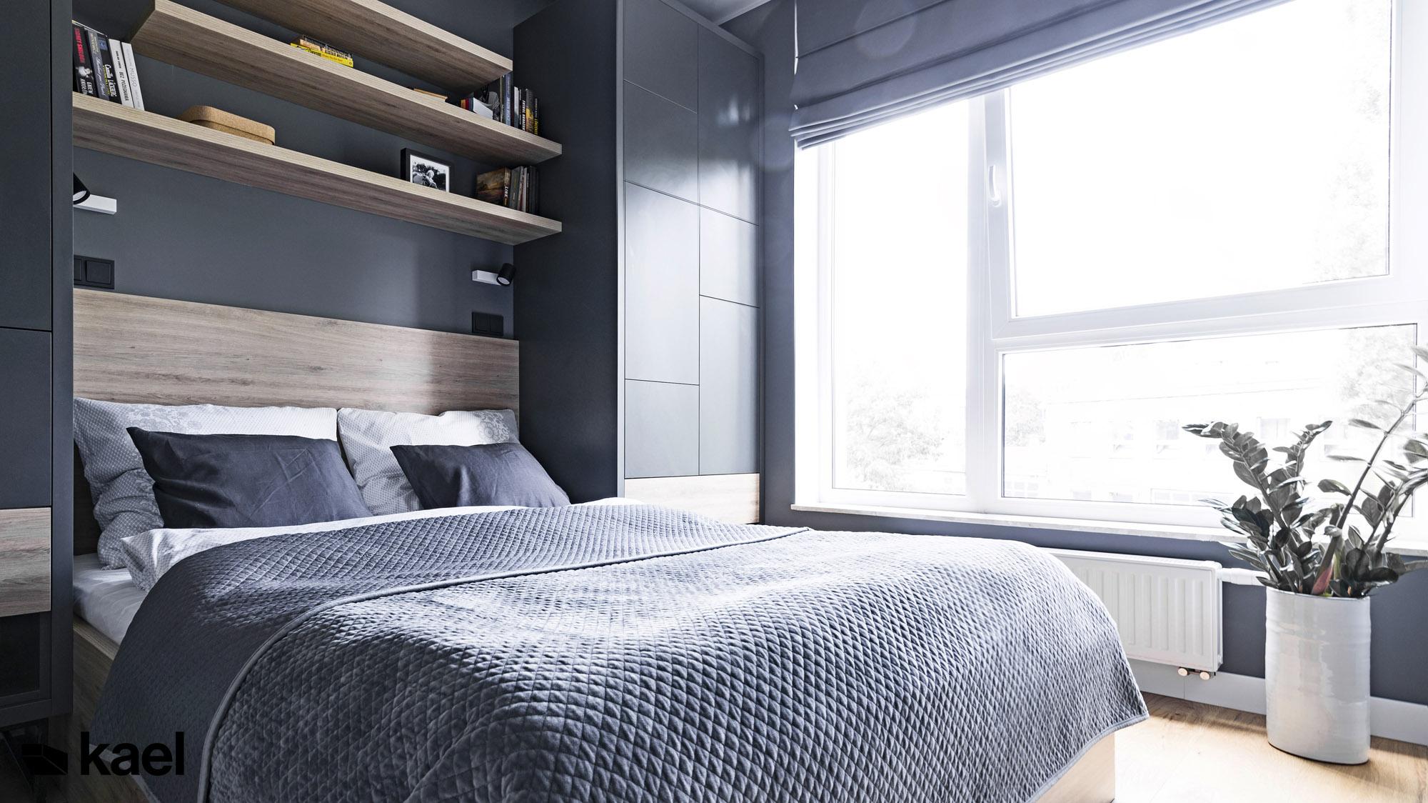 Łóżko w sypialni.